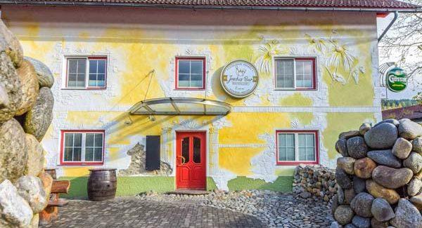 Treffpunkt der Kommunikation<br /> <br /> Mühldorf 1<br /> 9814 Mühldorf<br /> Tel.: + 43 (0) 650 3311760<br /> www.kegel-bar.com<br /> <br /> <strong>Mehr Informationen »</strong><br />