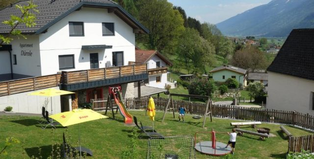 Die Appartements Goldeck und Salzkofel sind neu erbaut und hochwertig eingerichtet.<br /> Von den Appartements aus überblicken sie das Lurnfeld und haben die Gipfel der <br /> Goldeck-und Kreuzeckgruppe vor Augen!<br /> Andrea und Andreas Dürnle MEG<br /> Rappersdorf 39<br /> 9814 Mühldorf<br /> E-Mail: andrea.duernle@gmail.com<br /> Tel.: 0650/6437263<br /> <br /> <strong>Mehr Informationen »</strong>
